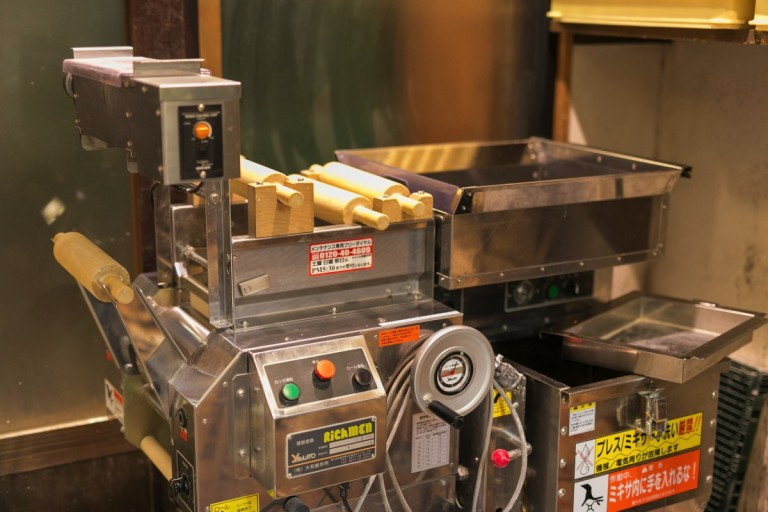 周月の製麺機